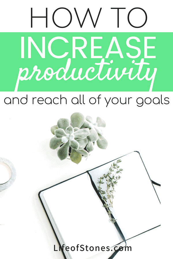 Productivity tips to help you stay focused and reach your goals! These productivity hacks helped me set goals and use this awesome system to help me achieve all my goals! #goalsetting #productivity #productivitytips
